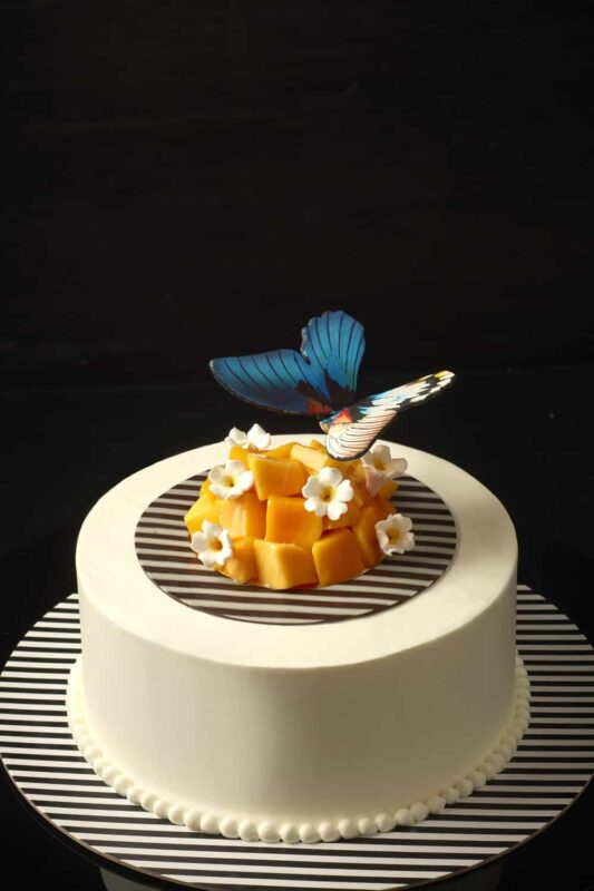 4 3. MANGO BANANA CREAM CAKE