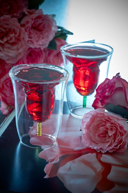 2 EXQUISITE FLORAL WINE GLASS