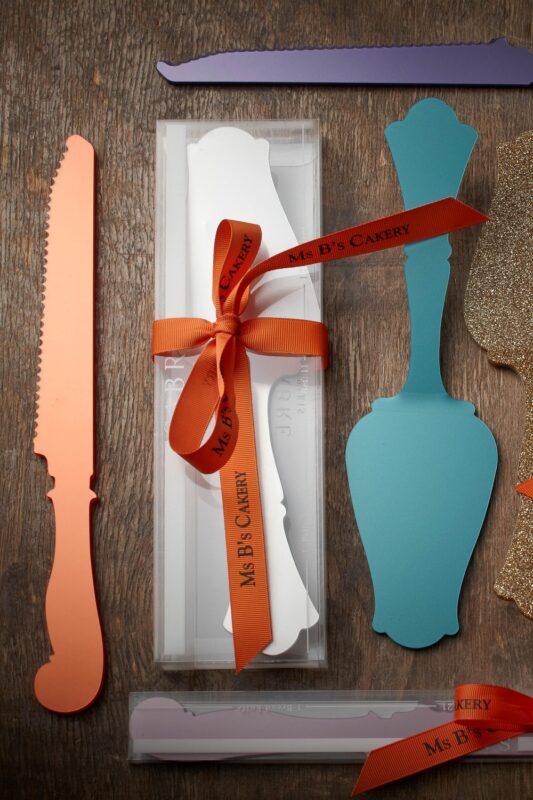 7. CAKE SERVER & KNIFE